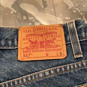 Women Levi's 517 slim boot cut 7